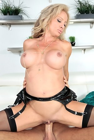 Free Fake Tits MILF Porn Galleries