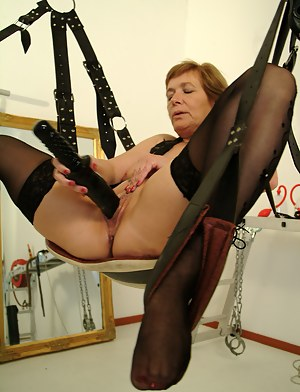 Free MILF BDSM Porn Galleries