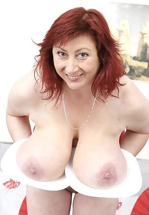 Free Kinky MILF Porn Galleries