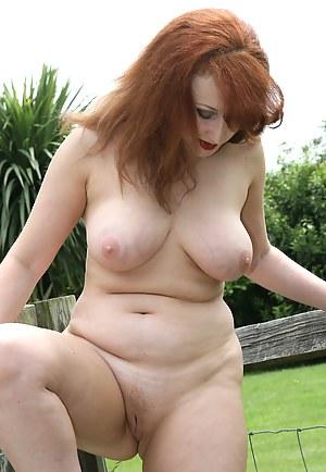 Free Redhead MILF Porn Galleries