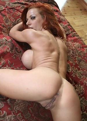 Free MILF Pussy Porn Galleries