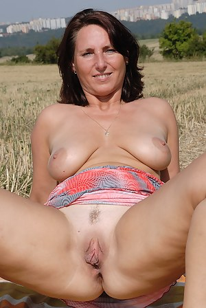 Free Old Pussy Porn Galleries